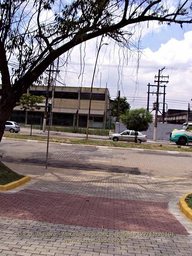 C.E.U. Jaguare 27/11/2010 - faixa de segurança apagada