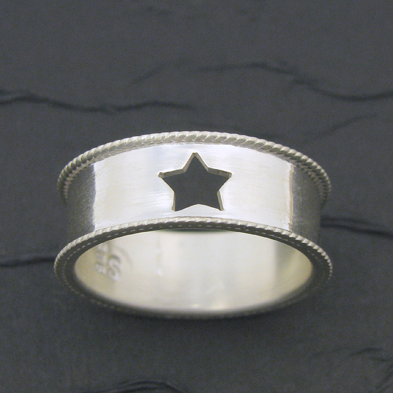 super star sterling silver band ring