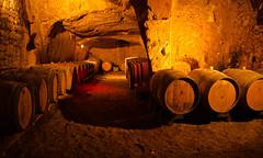 Cave (Armel Génon) Tags: cave vin troglodytes barrique château fut saumur anjou tonneau brézé souterrains troglo châteaudelaloire châteaudebrézé saumurois