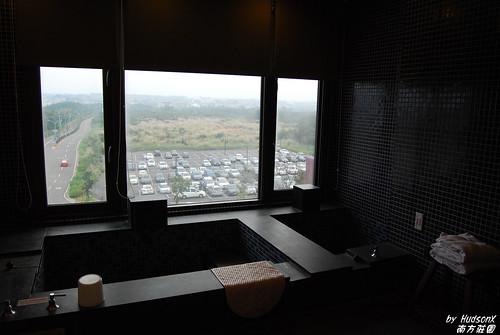 大到不行的溫泉浴室(3)