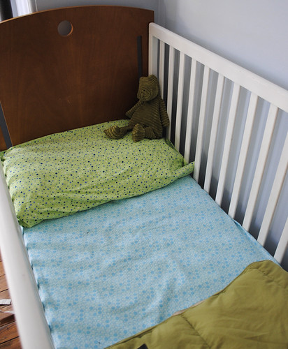 flannel crib sheet & pillow