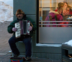 Gypsy playing christmas songs (Per Ivar Somby) Tags: musician mainstreet accordion gypsy storgata troms trekkspill gatemusikant sigyner