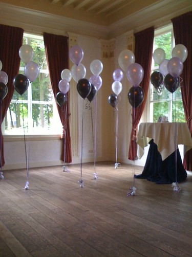 Tafeldecoratie 5ballonnen Kasteel van Rhoon