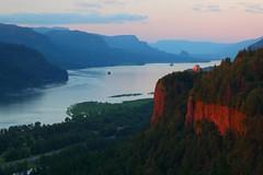 Crown Point Columbia River Gorge OR. (jeremyjonkman) Tags: sunset rock oregon canon river point photography eos mark forum columbia jeremy womens ii 5d crown gorge beacon jonkman