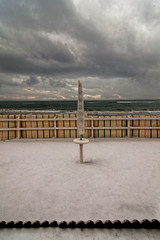 Un insolita nevicata - An unusual snowfall (carlo tardani) Tags: colore neve toscana inverno grosseto follonica ombrellone stagione stabilimentobalneare invernoalmare nikond300 magicunicornverybest nevicatasulmare