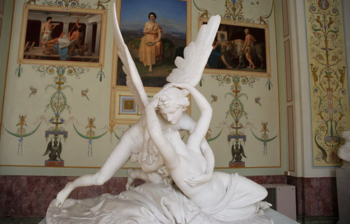 canova amore e psiche. Canova - Amore e Psiche. Esposizione permanente al The State Hermitage Museum di S. Pietroburgo.