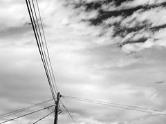 incomunicados con el cielo (geldmond) Tags: sky cloud blanco luz water ventana gris rojo agua fuerteventura negro amarillo cables cielo nublado electricidad papel bao nube aseo calor pozo telefonia albergue cisterna inodoro calido higienico naranaja