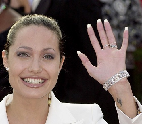 angelina-jolie-tattoo-pics