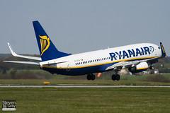 EI-EFW - 35018 - Ryanair - Boeing 737-8AS - Luton - 100422 - Steven Gray - IMG_0262