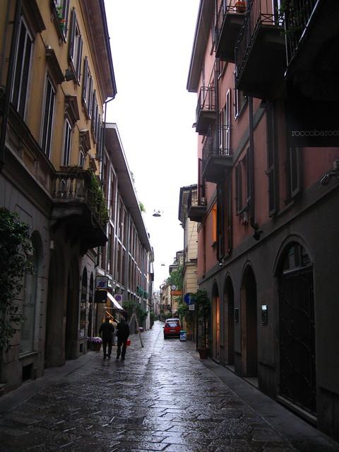 ミラノのブランド通りのフリー写真素材