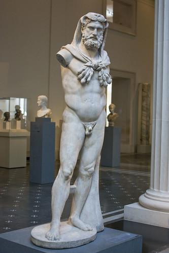 d5 MET Marble statue of a bearded Hercules