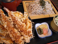 桂「天丼とざるそばのセット」(1,050円)