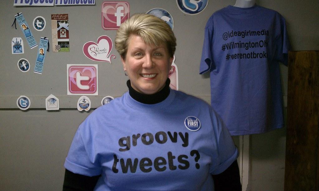Idea Girl Media - Groovy Tweets?