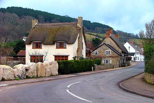 village in Devon (by: teddeady/David, creative commons license)