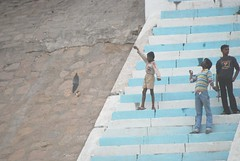 Kite fliers (hartjeff12) Tags: india varanasi benares uttarpradesh
