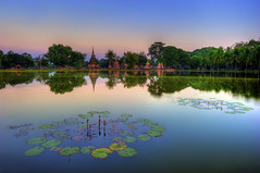 Sukhothai Historical Park (MikeBehnken) Tags: sunset reflection thailand thai siam lillypads sukothai sukhothai buddhisttemples sukhothaithailand sukhothaihistoricalpark sukothaihistoricalpark thailandparks