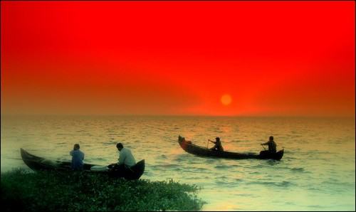 Republic day India (2011)Greetings. Shot of Fishermen-Kerala-India by {deepapraveen very busy with work..back soon