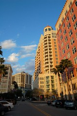 downtown Sarasota (by: livingonimpulse/Markus, creative commons license)