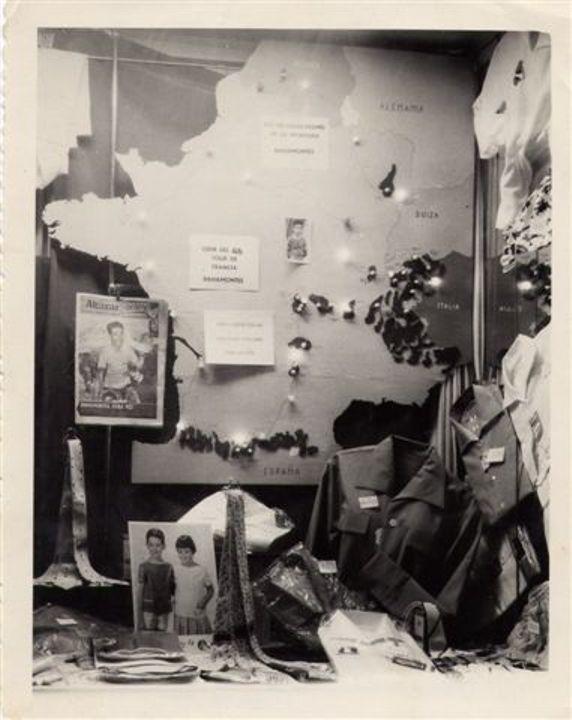 Escaparate de la tienda de Marciano durante el Tour de 1959