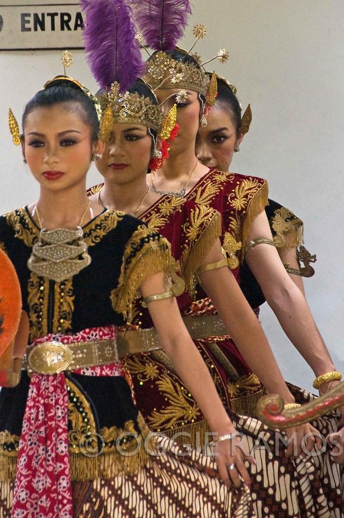 Indonesia - Tamansari Dancers