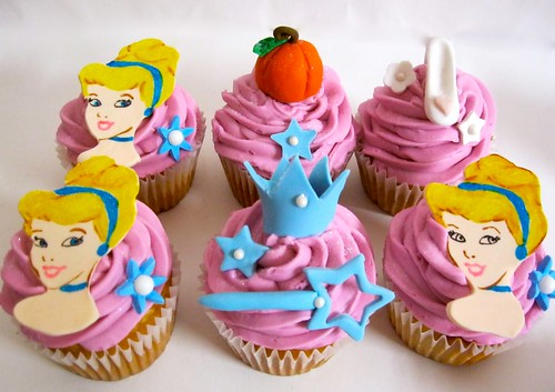 cinderella-cupcake-toppers.jpg
