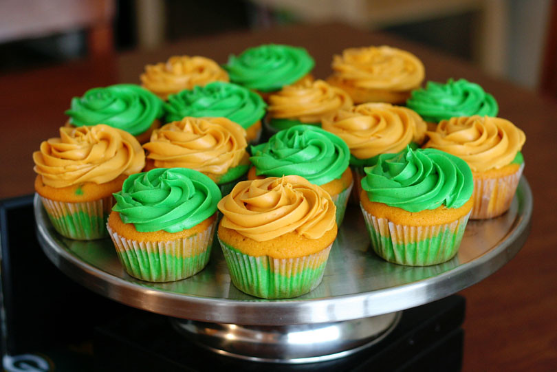 Green & Gold Cupcakes