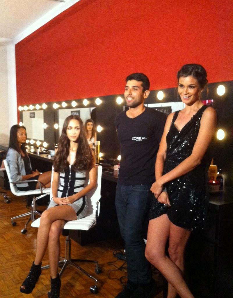 Pausa para foto nas gravaçőes do It MTV Elle Fashion Fabric