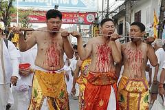 Martírio e flagelação no Festival Vegetariano de Phuket