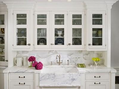 white_kitchen_karen_williams_calcutta_gold