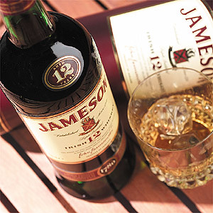 BarEssentials_JamesonWhiskey