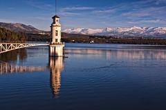 49/365 (LSD13) Tags: lake mountains azul lago agua cielo reflejo sierranevada montaas embalse cubillas