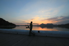 IMG_8684 (Tarun Chopra) Tags: india photography gurgaon rajasthan udaipur bharat hindustan photosandcalendar canonefs1022mmf3545usmlens hindusthan peopleenjoyingnature rajasthaninwinters
