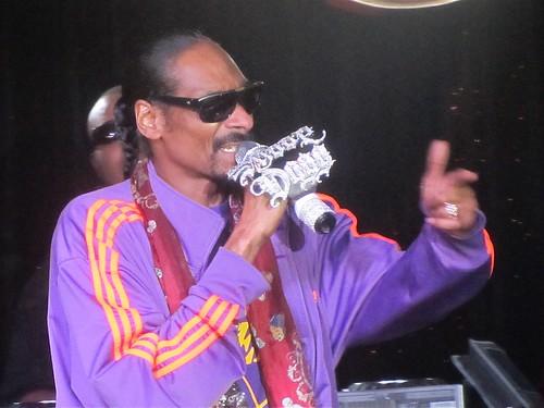 Snoop Dog rocks the Conga Room - NBA All-Star 2011