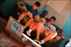 ADICCIN (joferluna / Fernando Luna) Tags: playing boys familia kids venezuela juegos games nios nintendods adiccion bejuma fotografosvenezolanos horizonteinclinado angulopicado fernandoluna retosfdv