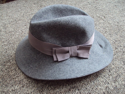 Vintage Grey Hat with Bow