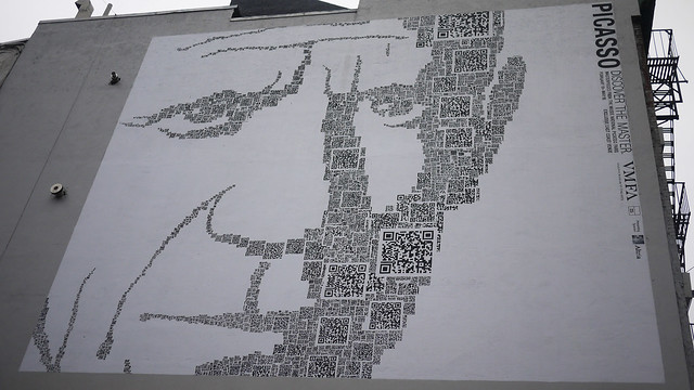 QR CODE Picasso Close Up