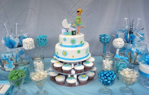 Baby shower lolly table