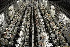 110209-F-FA171-282 (Rassegna Militare) Tags: usa pope nc globemaster paracadutisti popeafb c17a joax largepackage 82airbornedivision
