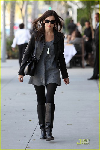 camilla-belle-lunch-with-wilmer-valderrama-10