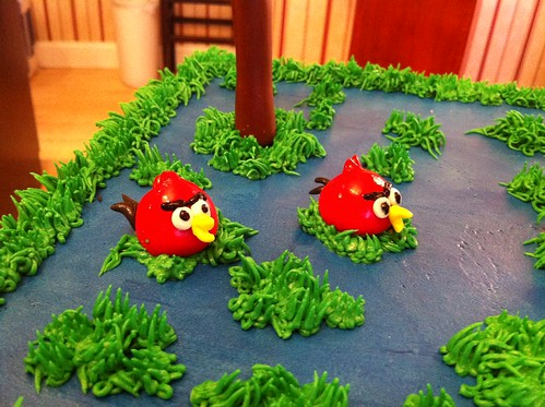 who wouldn't want angry birds cake?