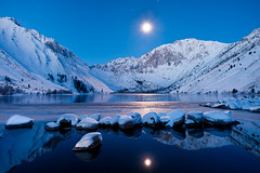 Convict Lake (Diego Tabango) Tags: california morning blue winter usa moon lake snow mountains reflection ice cali stars outdoors nikon diego sierra hour nikkor bootcamp convict eastern tabango d700