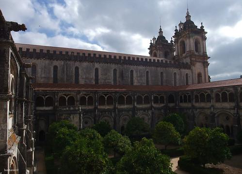 Claustro de Dom Dinis, também conhecido por Claustro do Silêncio