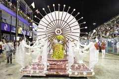 Carnaval 2011-Escola Estácio de Sá - Foto: Raphael David | Riotur (Riotur.Rio) Tags: carnival brazil rio brasil riodejaneiro carnaval verão turismo turistas 2011 kirilos riotur pktures rioturriodejaneiroturismosambasapucaísambódromocarnavalgrupodeacessoapoteoseescolaestáciodesáraphaeldavidpedrokirilos