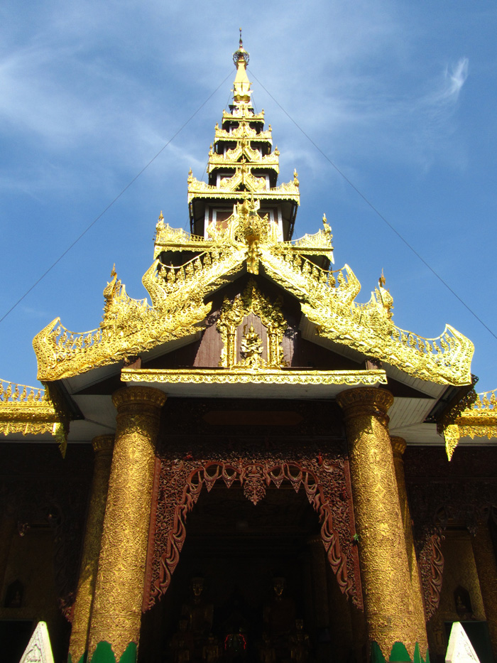 5510672287 63b9aa12ee o Shwedagon Pagoda   Pictures of Burmas Most Sacred Site