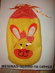 Saquinho em feltro para guloseimas...menina!!!o rosto do coelho é em plástico transparente! (ARTESonhos - Feltro e tecido - Sheila Sansão) Tags: feltro coelho saco pascoa tecido coelhinho saquinho sacola sacolinha