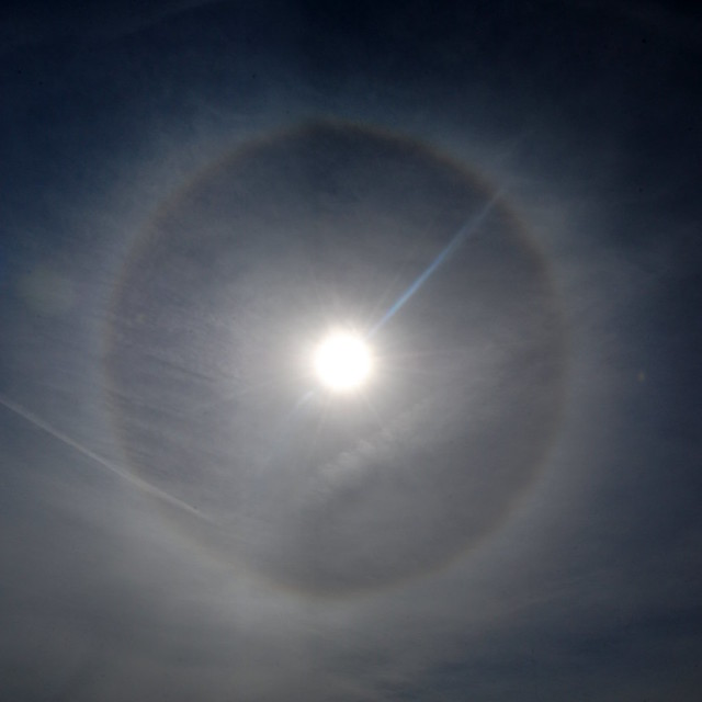 22-degree halo