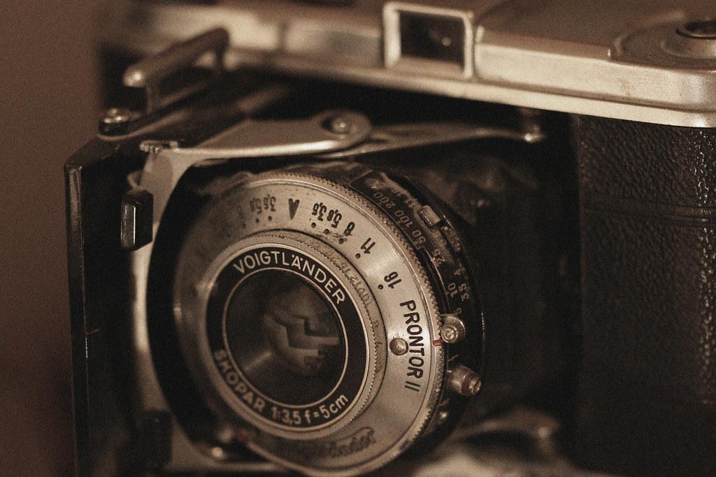 IMAGE: http://farm6.static.flickr.com/5091/5517164519_006d5d8bc6_b.jpg