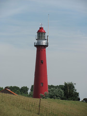 Leuchtturm von Hoek van Holland (Priska B.) Tags: light lighthouse holland rot nederland van vuurtoren leuchtturm hoek hoekvanholland niederlanden wbnawnl