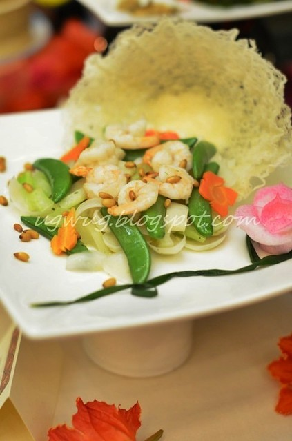Wok Fried Prawns with Pine Nuts, Sweet Bean and Lily Bulbs