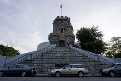 Prospect Hill Tower ((Jessica)) Tags: boston massachusetts newengland prospecthillmonument prospecthillpark pw somerville prospecthill flag grandunionflag